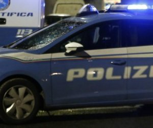 https://www.tp24.it/immagini_articoli/06-12-2020/1607265273-0-sicilia-i-facilitatori-del-traffico-di-esseri-umani-arrestate-19-persone.jpg