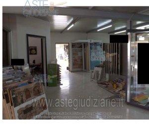 https://www.tp24.it/immagini_articoli/07-01-2020/1578397998-0-deposito-commerciale-strasatti-marsala.jpg