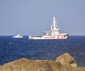 https://www.tp24.it/immagini_articoli/07-01-2021/1609998398-0-sicily-open-arms-crew-in-quarantine-rescue-missions-stopped.jpg