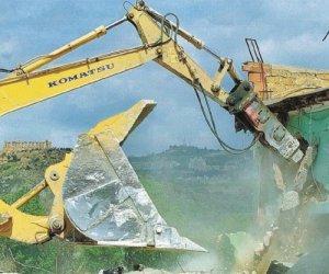 https://www.tp24.it/immagini_articoli/07-04-2021/1617750977-0-abusivismo-sulla-costa-di-erice-entro-l-estate-dieci-demolizioni.jpg