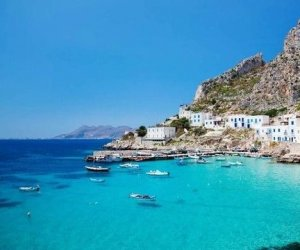 https://www.tp24.it/immagini_articoli/07-05-2020/1588828216-0-sicily-to-subsidise-post-covid-holidays-as-italy-considers-reopening-to-tourists.jpg