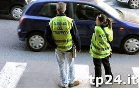 https://www.tp24.it/immagini_articoli/07-05-2021/1620398541-0-erice-a-rischio-il-futuro-occupazionale-per-24-ausiliari-del-traffico.jpg