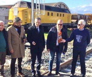 https://www.tp24.it/immagini_articoli/07-05-2021/1620420554-0-ferrovia-trapani-palermo-la-regione-approva-l-eliminazione-dei-passaggi-a-livello.jpg