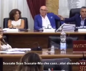 https://www.tp24.it/immagini_articoli/07-07-2018/1530964986-0-marsala-video-consiglio-comunale-scusatescusate-czzo-dici.jpg