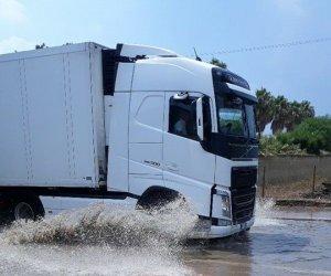 https://www.tp24.it/immagini_articoli/07-08-2018/1533603325-0-meteo-pazzo-provincia-trapani-piovere-ancora.jpg