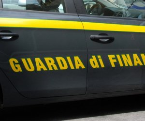 https://www.tp24.it/immagini_articoli/07-08-2019/1565193159-0-sicilia-lavora-ristorante-percepisce-reddito-cittadinanza.jpg