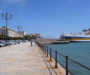https://www.tp24.it/immagini_articoli/07-09-2017/1504774471-0-trapani-settembre-incontro-dellautorita-portuale-mare-sicilia-occidentale.jpg