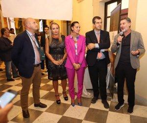 https://www.tp24.it/immagini_articoli/07-10-2018/1538899586-0-rosso-vino-mazara-vallo-celebrate-eccellenze-mareterra-territorio.jpg