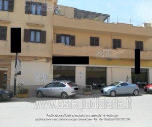 https://www.tp24.it/immagini_articoli/07-10-2019/1570437490-0-negozi-partanna-castelvetrano.jpg