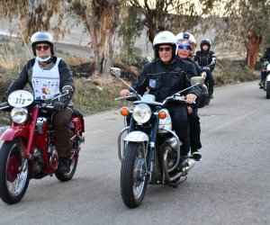 https://www.tp24.it/immagini_articoli/07-10-2021/1633625957-0-3-deg-giro-motociclistico-di-sicilia-le-due-ruote-promuovono-il-territorio.jpg