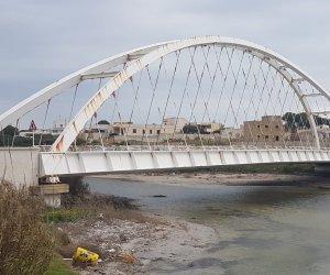 https://www.tp24.it/immagini_articoli/07-10-2021/1633627349-0-riunione-in-prefettura-sul-ponte-arena-non-riapre-i-lavori-dureranno-300-giorni.jpg