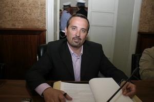 https://www.tp24.it/immagini_articoli/07-11-2017/1510035180-0-marsala-sindaco-nomina-assessori-durante-voto-marrone-basta-sfiducia.jpg