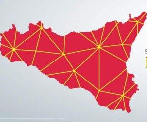 https://www.tp24.it/immagini_articoli/07-12-2019/1575740451-0-sicilia-digitale-lacqua-gola-rischio-server-regione.jpg