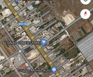 https://www.tp24.it/immagini_articoli/08-01-2021/1610106467-0-c-e-un-tratto-di-strada-a-strasatti-al-buio-da-mesi.jpg