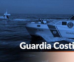 https://www.tp24.it/immagini_articoli/08-02-2020/1581146660-0-affonda-barca-largo-mazara-guardia-costiera-salva-persoine.jpg