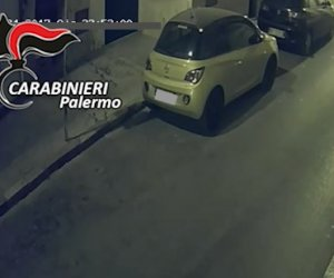 https://www.tp24.it/immagini_articoli/08-03-2019/1552029236-0-sicilia-banda-spiava-social-persone-rubare-quando-erano-vacanza.jpg