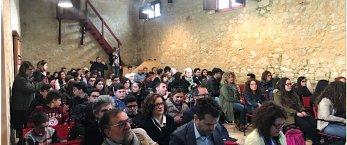 https://www.tp24.it/immagini_articoli/08-05-2019/1557326203-0-valderice-report-seminario-giovani-dipendenze-cadere-trappola.png