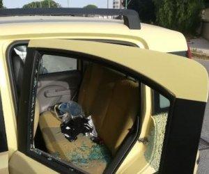 https://www.tp24.it/immagini_articoli/08-07-2018/1531013556-0-trapani-vandali-azione-mauro-rostagno-danneggiate-cinque-auto.jpg