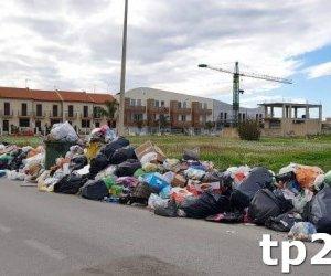 https://www.tp24.it/immagini_articoli/08-07-2018/1531035654-0-castelvetrano-associazioni-codici-favorevoli-cambio-dirotta-differenziata.jpg