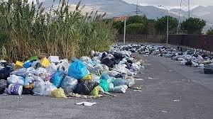 https://www.tp24.it/immagini_articoli/08-07-2018/1531065471-0-caos-rifiuti-sicila-provincia-trapani-sindaci-piede-guerra.jpg