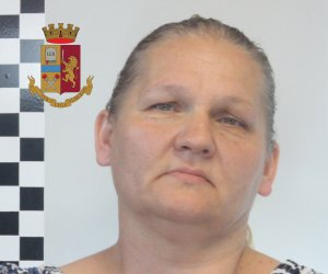 https://www.tp24.it/immagini_articoli/08-07-2019/1562566968-0-arrestata-mazara-signora-droga-polizia.jpg