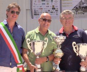 https://www.tp24.it/immagini_articoli/08-08-2018/1533717701-0-automobilismo-trofeo-cave-cusa-vince-lequipaggio-passanantemessina.jpg
