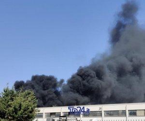 https://www.tp24.it/immagini_articoli/08-08-2019/1565242219-0-altra-giornata-fuoco-ieri-sicilia-fiamme-anche-provincia-trapani.jpg