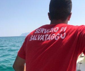 https://www.tp24.it/immagini_articoli/08-08-2019/1565243265-0-deriva-barchetta-uomo-salvato-mare-castellammare-golfo.jpg