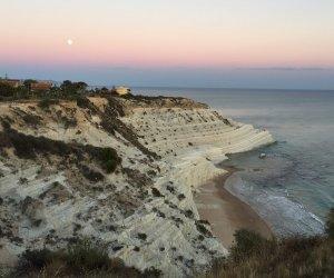 https://www.tp24.it/immagini_articoli/08-08-2019/1565248429-0-sicilia-riapre-scala-turchi-spiaggia-popolare-instagram.jpg