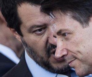 https://www.tp24.it/immagini_articoli/08-08-2019/1565276787-0-crisi-governo-conte-dimesso-incarico-giorgetti.jpg