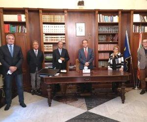 https://www.tp24.it/immagini_articoli/08-09-2021/1631054533-0-nbsp-gandolfo-il-piu-ricco-grillo-solo-104-euro-i-redditi-di-sindaco-e-assessori-di-marsala.jpg