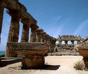 https://www.tp24.it/immagini_articoli/08-10-2014/1412749230-0-si-accelera-l-iter-per-l-autonomia-del-parco-archeologico-di-selinunte.jpg