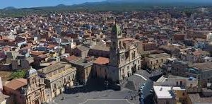 https://www.tp24.it/immagini_articoli/08-10-2018/1538972951-0-altra-scossa-terremoto-sicilia-orientale-terra-continua-tremare-catanese.jpg