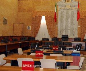 https://www.tp24.it/immagini_articoli/08-10-2018/1538992702-0-marsala-live-consiglio-comunale-clima-sereno.jpg