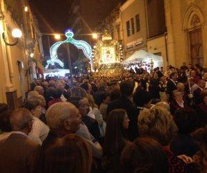 https://www.tp24.it/immagini_articoli/08-10-2019/1570564558-0-sicilia-rompe-statuetta-santo-durante-processione-ferito-devoto.jpg