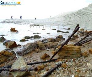 https://www.tp24.it/immagini_articoli/08-11-2018/1541667575-0-spiaggia-scala-turchi-abbandonata-devastata-ecco-immagini-video.jpg