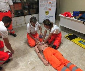 https://www.tp24.it/immagini_articoli/08-11-2018/1541679510-0-retraining-soccorritori-soccorso-anpas-trapani.jpg