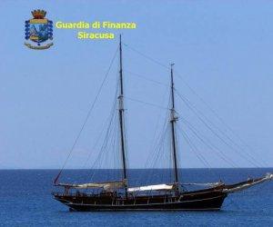 https://www.tp24.it/immagini_articoli/08-11-2019/1573194109-0-sicilia-business-yacht-lusso-cosi-ricchi-proprietari-evadevano-tasse.jpg