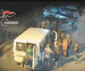 https://www.tp24.it/immagini_articoli/08-11-2019/1573252886-0-sicilia-lavoro-campi-euro-lora-otto-arresti.jpg
