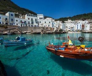 https://www.tp24.it/immagini_articoli/09-02-2019/1549728443-0-isole-egadi-milano.jpg