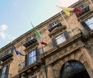 https://www.tp24.it/immagini_articoli/09-03-2019/1552168175-0-sicilia-milioni-euro-tirocinanti-pubblica-amministrazione.jpg