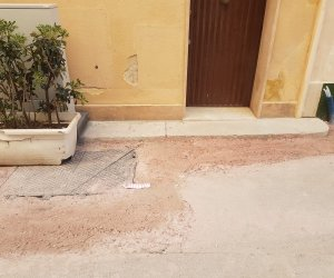 https://www.tp24.it/immagini_articoli/09-05-2021/1620573515-0-trapani-sistemano-la-fibra-ottica-ma-rovinano-l-asfalto-protesta-in-via-magistrale.jpg