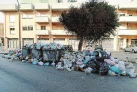 https://www.tp24.it/immagini_articoli/09-06-2018/1528525103-0-caos-rifiuti-sicilia-musumeci-guerra-sindaci.jpg