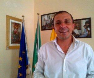 https://www.tp24.it/immagini_articoli/09-06-2018/1528529317-0-valderice-sindaco-girolamo-spezialascio-comune-bilancio-risanato.jpg