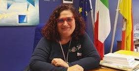 https://www.tp24.it/immagini_articoli/09-07-2019/1562681962-0-scrive-dirigente-liceo-scientifico-marsala-fiorella-florio.jpg