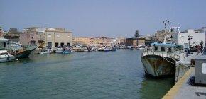 https://www.tp24.it/immagini_articoli/09-07-2021/1625827044-0-dragaggio-del-porto-canale-di-mazara-tante-promesse-ma-nbsp-ancora-nessuna-data-d-inizio-lavori.jpg