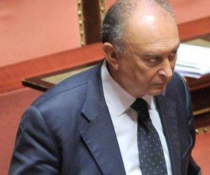 https://www.tp24.it/immagini_articoli/09-08-2019/1565347748-0-obbligo-dimora-trapani-senatore-tonino-dali.jpg