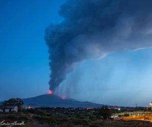 https://www.tp24.it/immagini_articoli/09-08-2021/1628488431-0-fuoco-boati-cenere-etna-in-eruzione-nbsp.jpg