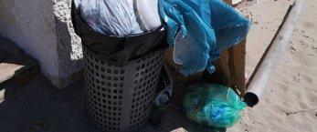 https://www.tp24.it/immagini_articoli/09-09-2020/1599669076-0-marsala-bella-fitusa-i-rifiuti-abbandonati-in-spiaggia-al-villaggio-pescatori.jpg