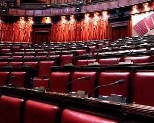 https://www.tp24.it/immagini_articoli/09-10-2014/1412864250-0-le-pensioni-d-oro-degli-ex-parlamentari-ecco-quanto-prendono-i-trapanesi.jpg